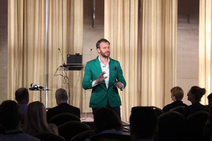 Celkeresztben a Z-generacio_konferencia - Nick Sohnemann, Founder & Managing Director  FUTURECANDY